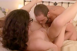 Spex tranny doggystyled while jerking off
