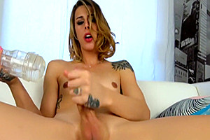 Pretty Tranny Wanking And Toying Her Dick