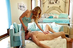 Tranny Mandy Mitchell offers an anal fuck to hunk stud