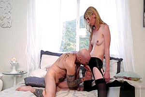 Blonde ts babe gets a bj