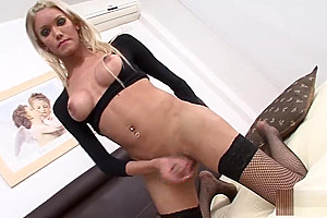 slutty blond Solo Trans