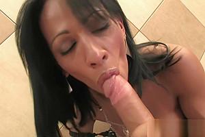 Nicolly Navaro Has Her weenie Sucked!