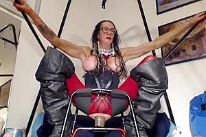 Bobbie Ann Playing With dildos 1