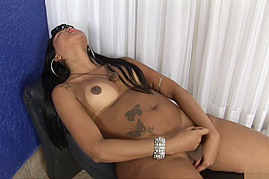 Carmen Enjoys wanking Off Her 10-Pounder