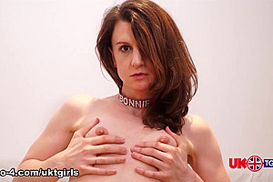Bonnie: Back in Black - UK-TGirls