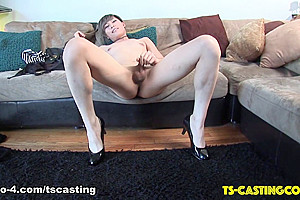 Miki Lee Jacks It on the Couch - TS-Casting-Couch