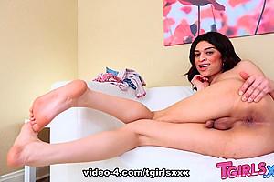 Sexy Smooth Valentina Mia - TGirlsXXX
