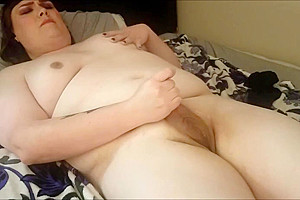 Curvy trans girl playing with herself