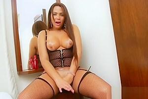Big booty TS Bianca Petrovicky handjobs