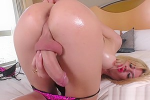 Horny Tgirl Gisele Bittencourt Shows Off Her Cock