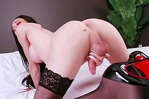 Shemale Babe Ashley Stacks Masturbates