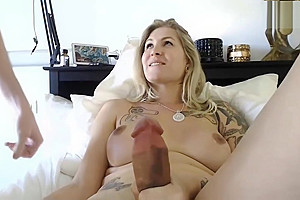 Shemale Fucks Shemale Porn Videos
