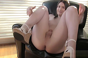 Solo trans amateur tugging her cock