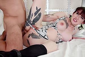 TS Lena Kelly enjoys doing bareback with dudes bigcock