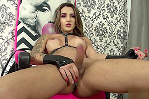 Vitoria Neves yummy Latex