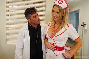 Infermiera trans inculata dal Dottore