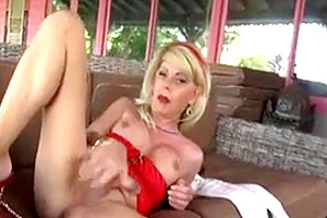 Joanna Jet 165 Cougar in Jeans