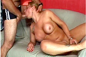 Dirty couple eats a tranny